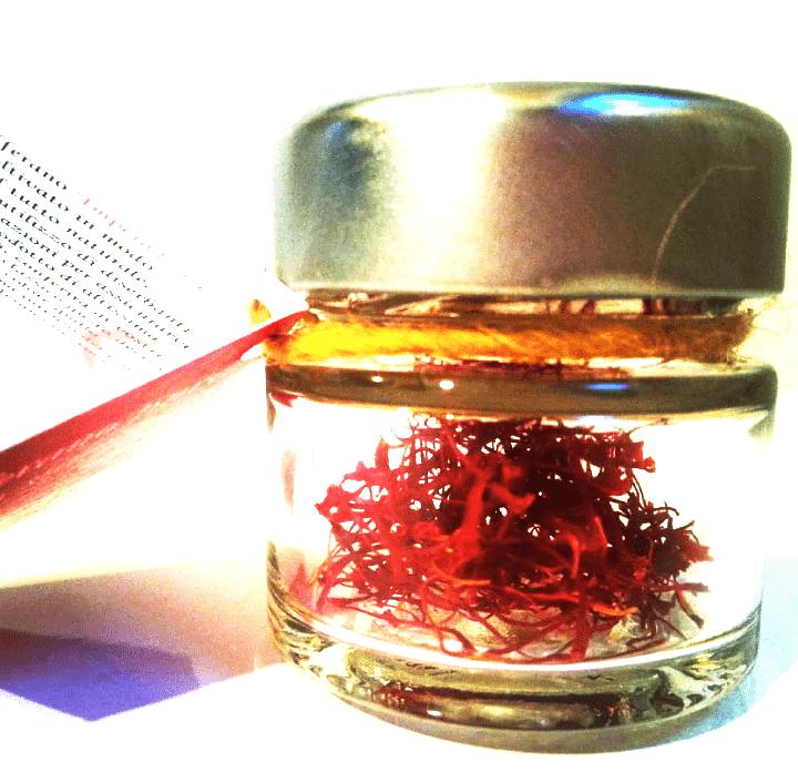 confezione con capsula zafferano in stimmi da 05 gr 8 Euro