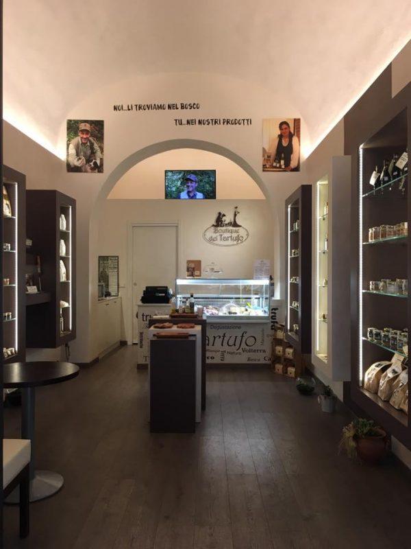 La Boutique del tartufo, un piccolo scrigno nel centro storico di Volterra