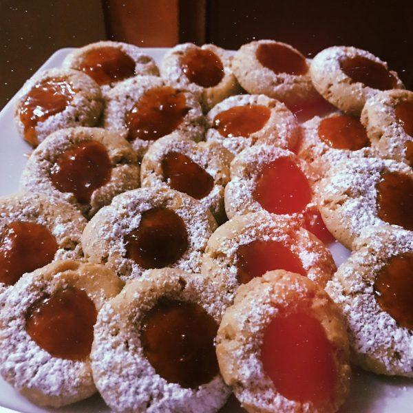 Biscotti alla cannella con marmellata di ciliegia e marsala Mangia La Foglia