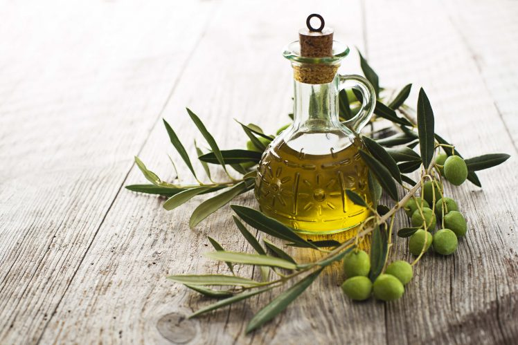 olio-oliva-e1507216773205 Oli vegetali: quali sono i migliori per le nostre esigenze?