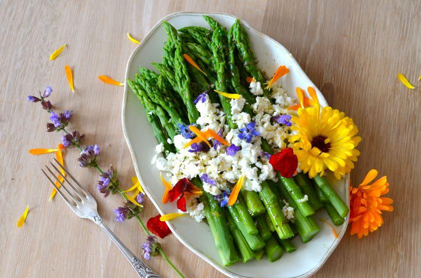 Eat-the-Blooms Mangiare i fiori: virtù nutrizionali per una dieta equilibrata
