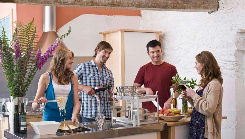 cucinare-e1520251085259 Quali sono i gusti e le abitudini a tavola dei segni zodiacali?