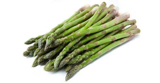 asparagi-1 Coltivati o selvatici, crudi o cotti, gli asparagi hanno molte proprietà benefiche