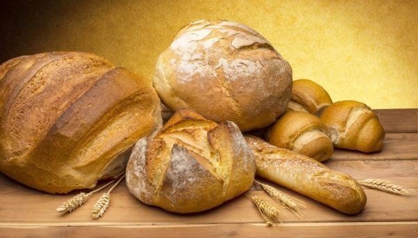 Pane-1024x584-e1526114220196 Tipi di pane italiano: quanti sono e quante calorie contengono?