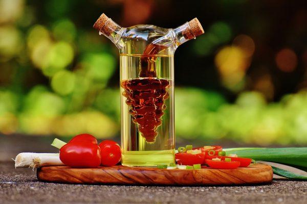 tomatoes-3077043_960_720-e1526497118705 L'aceto è un alleato prezioso per la nostra salute