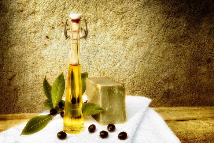 """laurier-1763690_960_720-e1528297992155 Olio d'oliva, passione tutta italiana: calorico sì, ma i suoi grassi sono """"buoni"""""""