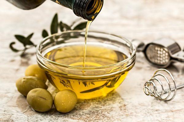 olive-oil-968657_960_720-e1539597159590 Il cibo è donna: viaggio tra le colline toscane per conoscere 3 alfiere del Made in Italy