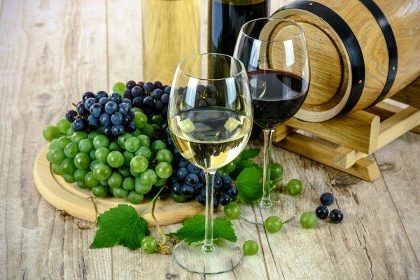 wine-1761613_960_720-e1539597050161 Il cibo è donna: viaggio tra le colline toscane per conoscere 3 alfiere del Made in Italy