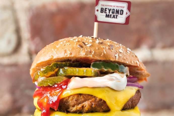 burger-veg1 Primo assaggio della carne-non carne: il fake hamburger