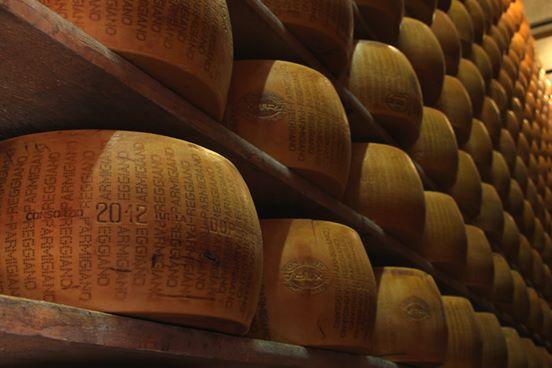 21770769_1473710972666291_9053091774867701760_n-1 Parmigiano Reggiano: uno dei simboli della gastronomia Made in Italy