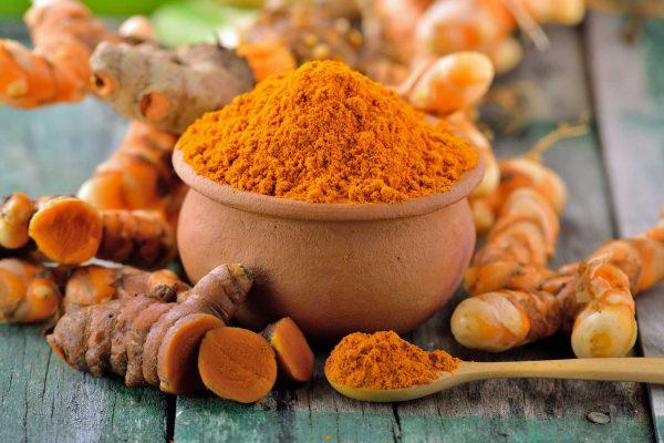 curcuma-blog-la-isy-galla-e1546523181737 Curcuma: benefici per la salute e azione anti tumorale