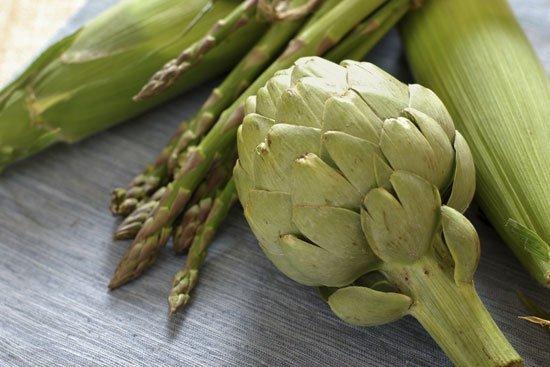 Asparagi-e-carciofi_diaporama_550 I prodotti di stagione: dal campo, all'orto..al mercato