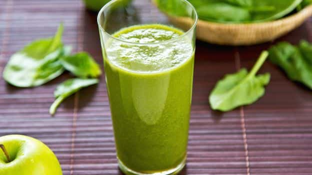 Centrifuga-mela-spinaci-dave-gamba Proprietà, valori nutrizionali e calorie della lattuga